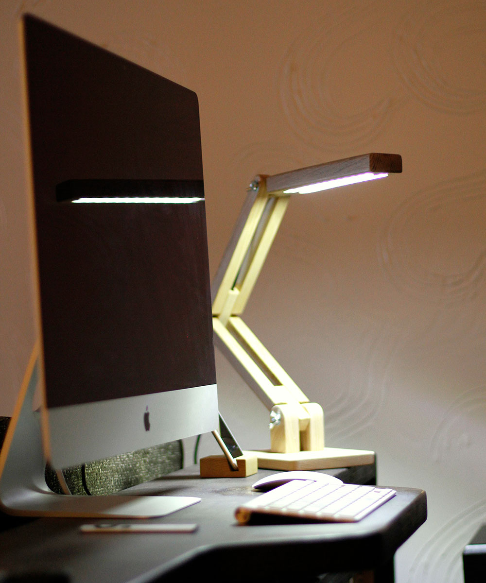 BlackGizmo Handmade LED Table Lamp