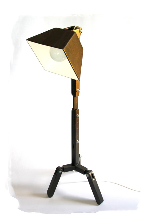 Wooden floor lamp by BlackGizmo