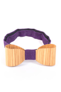 Give a tone of refinement to your outfit with a classic Wooden Bow Tie.